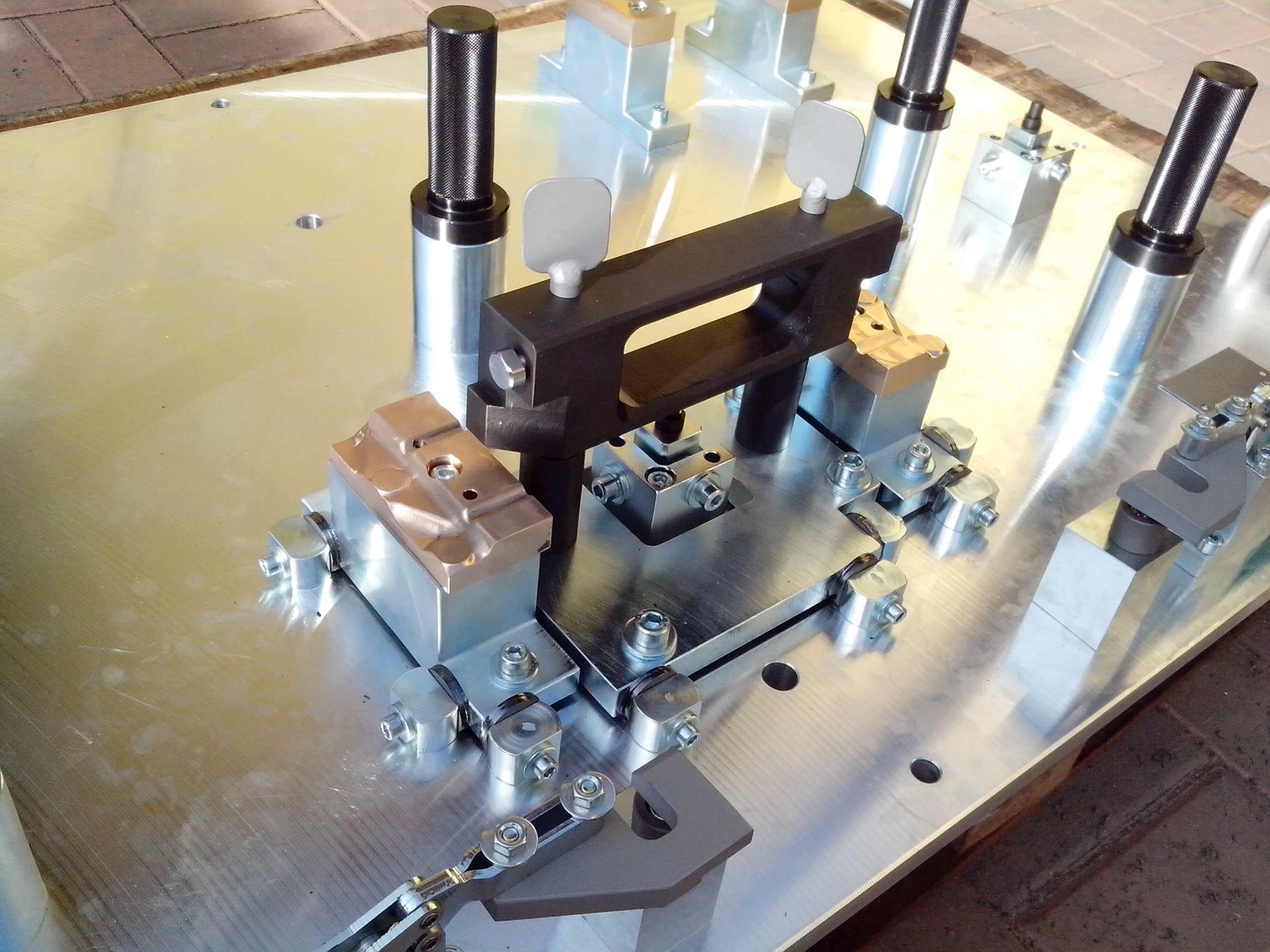 Kovo Ledeč - nástrojárna