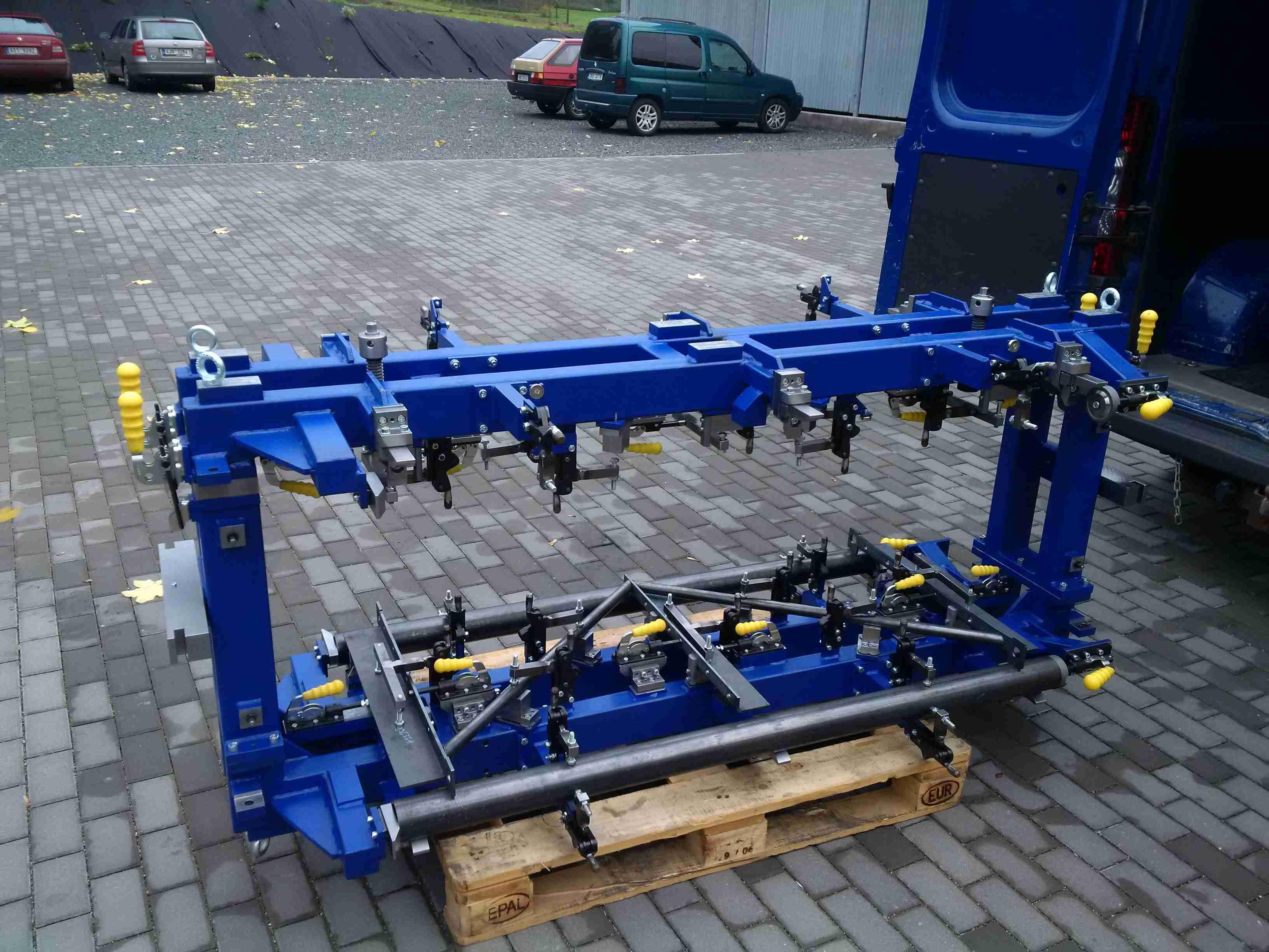 Robotový přípravek pro svařování výtohových konstrukcí - Stros - Sedlčany