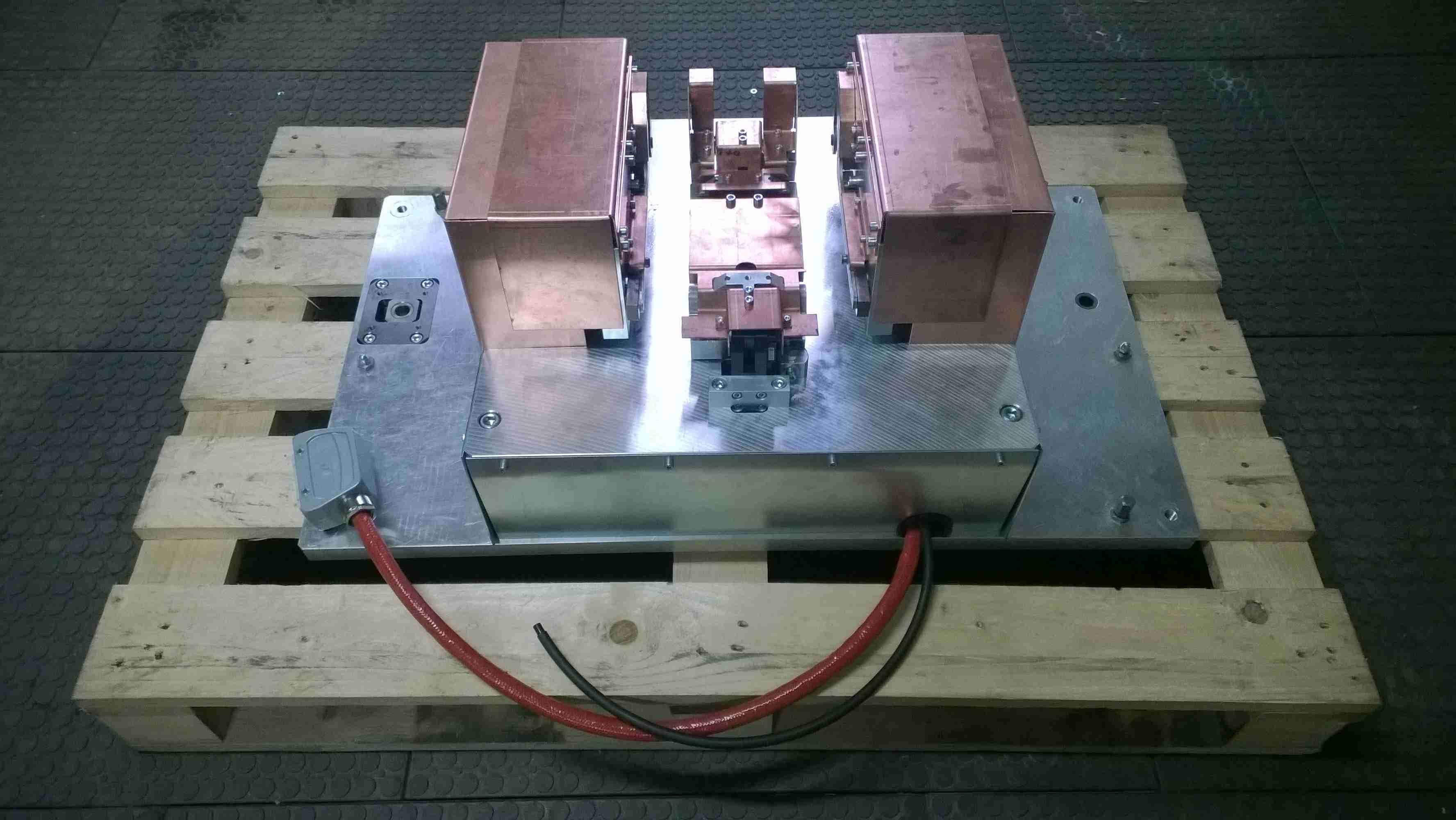 Pneumatický svařovací přípravek pro automotive - Kokinetics - Kamenice nad Lipou